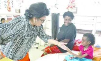 Veena Lights Up Patient's Eyes