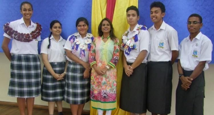 Penjueli, Paueli  Lead Top School