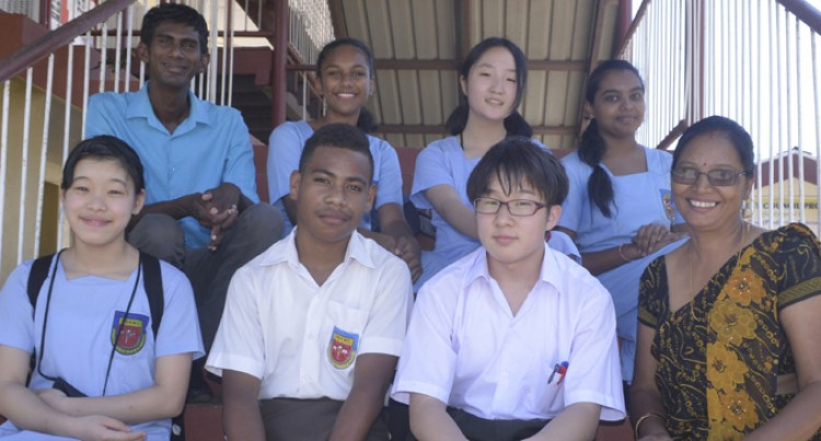 3 Japanese students join Nadi school
