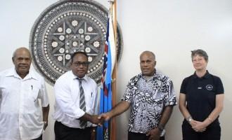 Solomon Islands Delegation  Visits Fijian Sports Minister