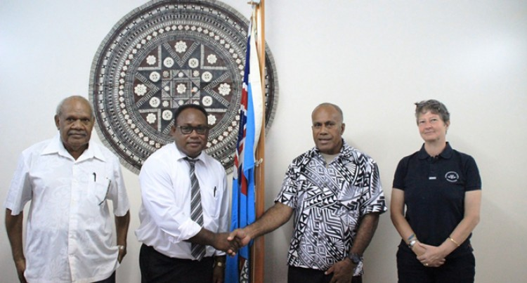 Solomon Islands Delegation  Visits Fijian Sports Minister