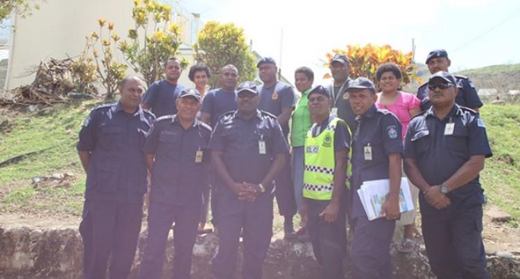 Senior Officers Visit Affected Police Families