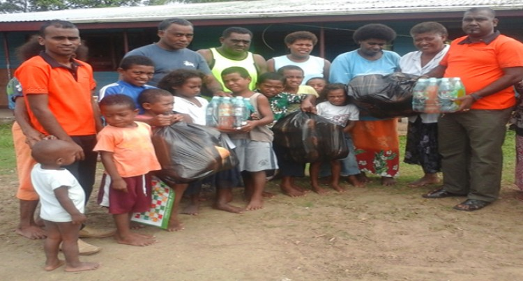 Carpenters Finance Labasa  Donate Food Rations  To Savusavu Customers