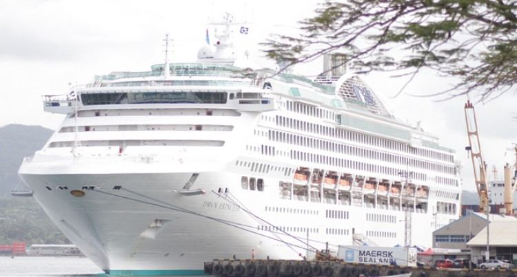 Cruise Ships  Resume Calls to Fiji