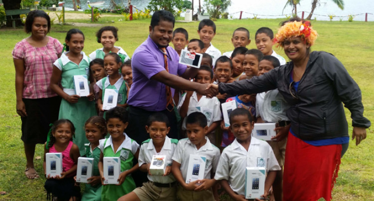 Kioa Primary School Goes Online