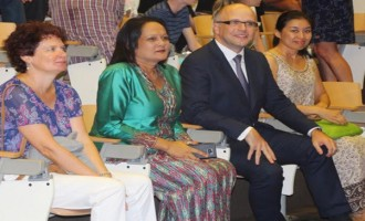 Minister Akbar Emphasises On The Importance Of Education
