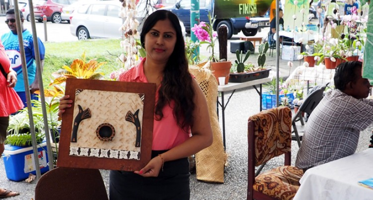 Priti Pursues Handicraft Decor