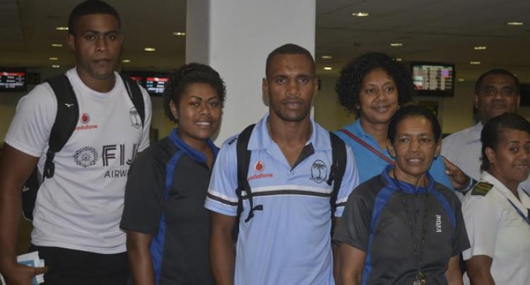 Fiji, England Hitout