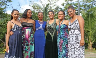 Carnival Contestants Take Time Out