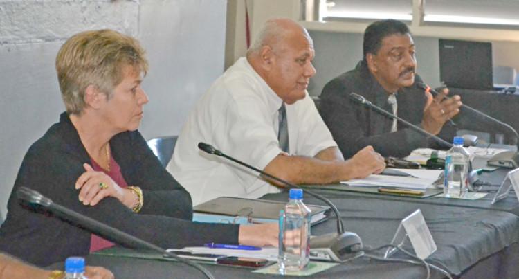 Committee, FSC Labasa Mill Talk Big Sugar Issues