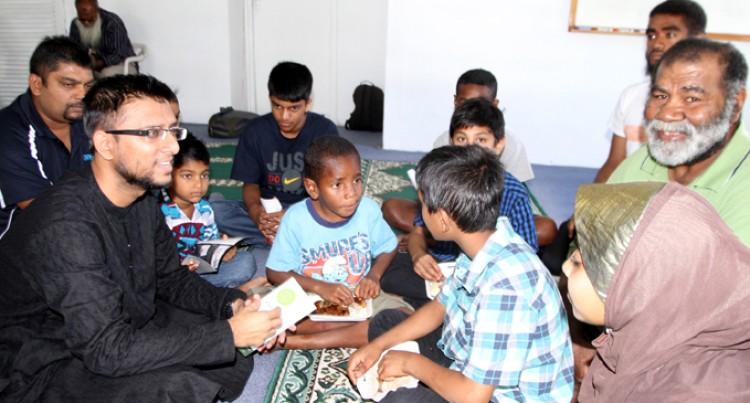 Raiwaqa Mosque Greets Neighbours