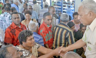 Cane Farmers Throng Talks