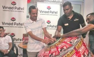 Shoppers Walk Away With Prizes At Vinod Patel