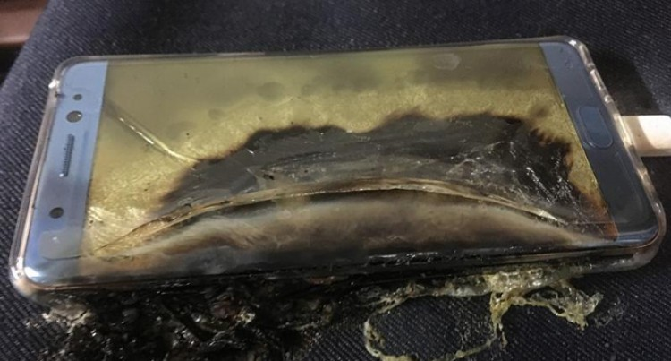 Fiji Airways, Fiji Link Passengers Asked Not To Use Samsung Note 7 Phones Onboard