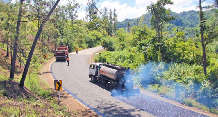 Buca Bay Road Sealing Continues