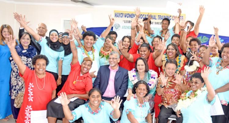 Akbar Congratulates 31 Women Graduates