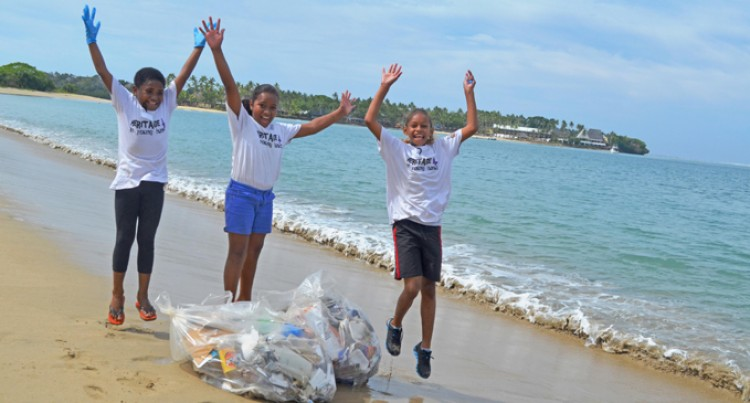 Students Pick Up 800kgs Of Rubbish