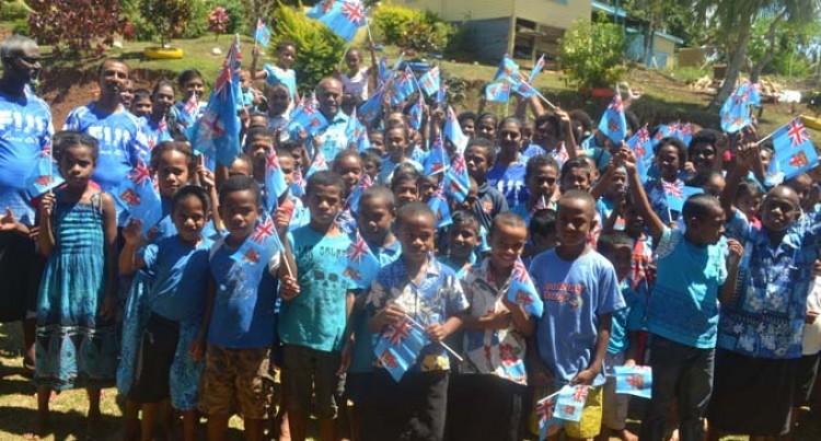 Wairiki Students Welcome Minister