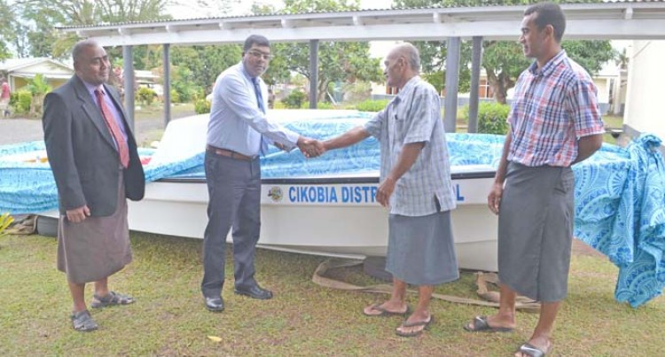 New Boat To Benefit School