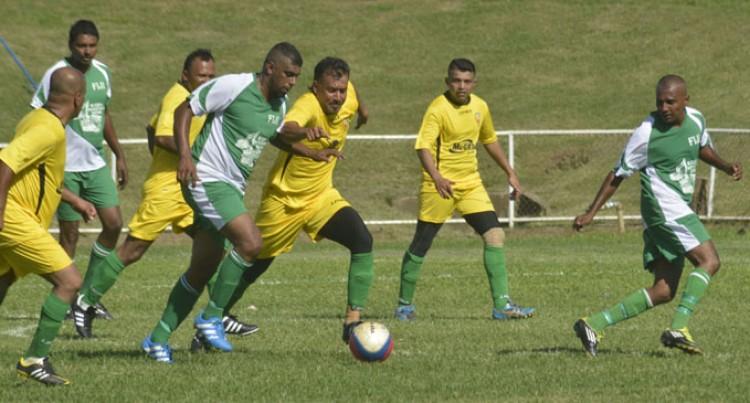 Fijians, Canadians Share Points