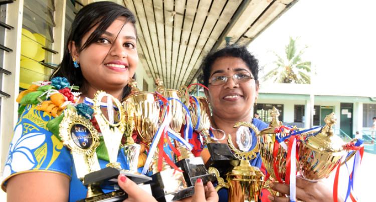 Parents, Backbone For Dux Winner