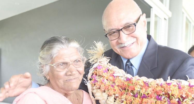 Mahadeo, Wati Honoured At Park