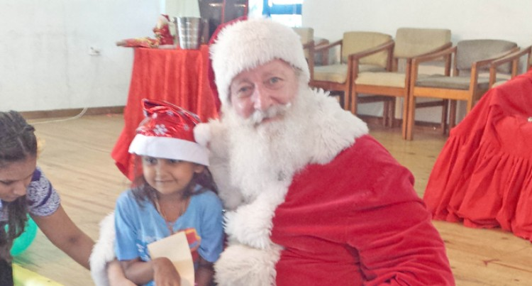 Young Cancer Patients Enjoy Christmas Celebration