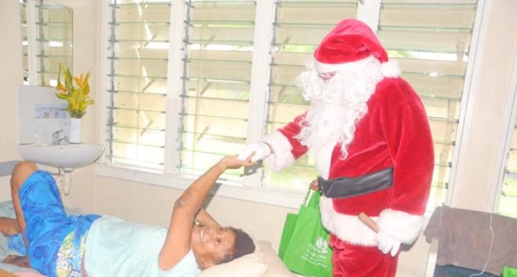 Resort Staff Bring Smiles to Patients