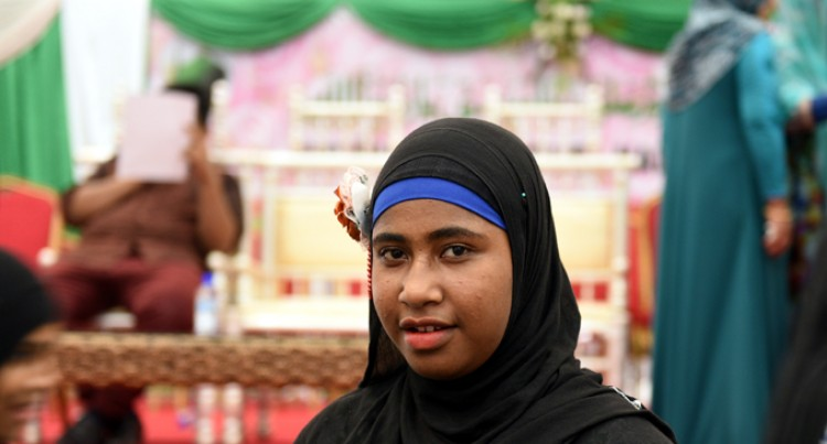 PNG Girl Here To Learn More About Islam