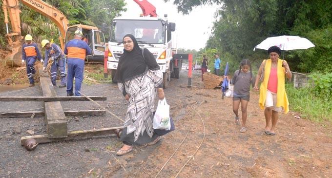 Fallen Power Poles Upset  Tailevu Farmers