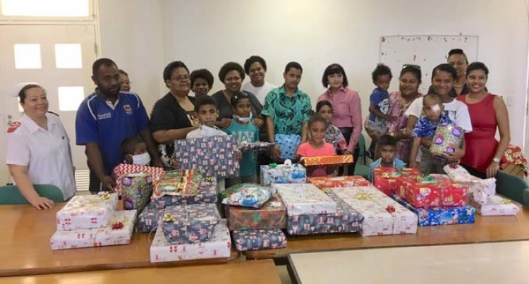 Women in Business Donates $10K, Christmas Gifts to Children-Patients