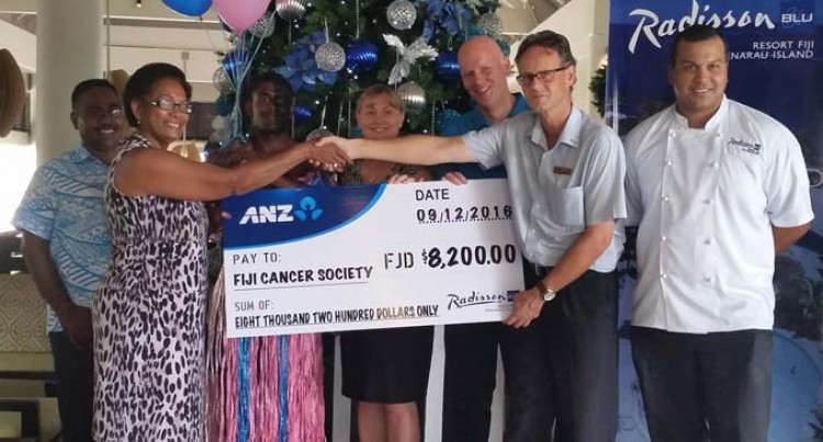 Radisson Blu Gives Cancer Group $8200