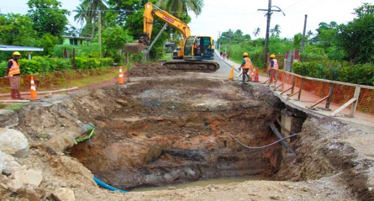 Sinkhole At Kaudamu Junction Getting Repaired
