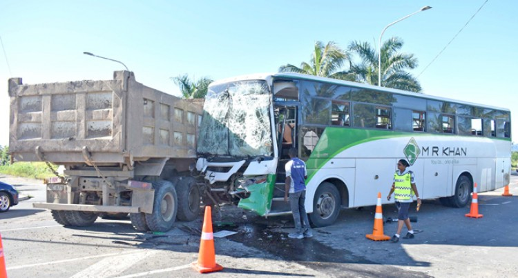 15 People Rushed to Hospital, After Bus Accident
