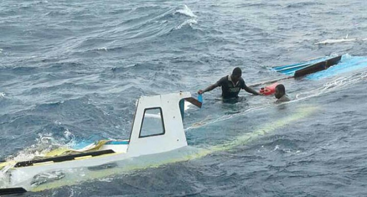 Tavewa Seabus crew save 3 from capsized boat.