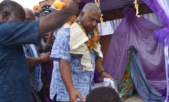 Vuna District Backs Government