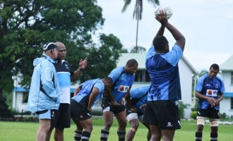 Warriors Coach Wary Of Challengers