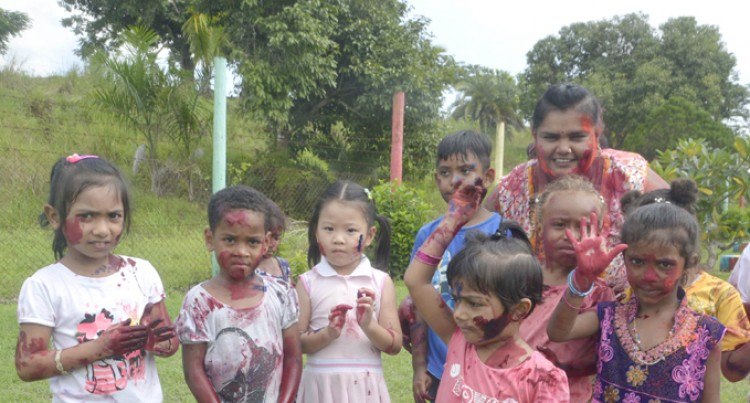 Kindergarten Kids Treated to Holi Delight