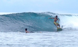 Surfing Fiji On The Move