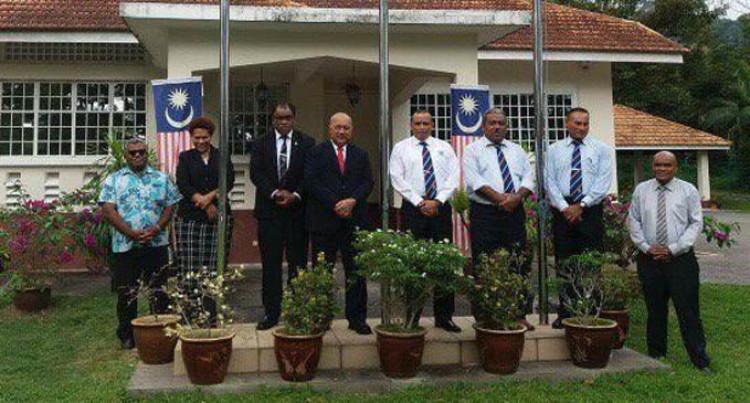 Ratu Inoke Visits National  Monument In Malaysia