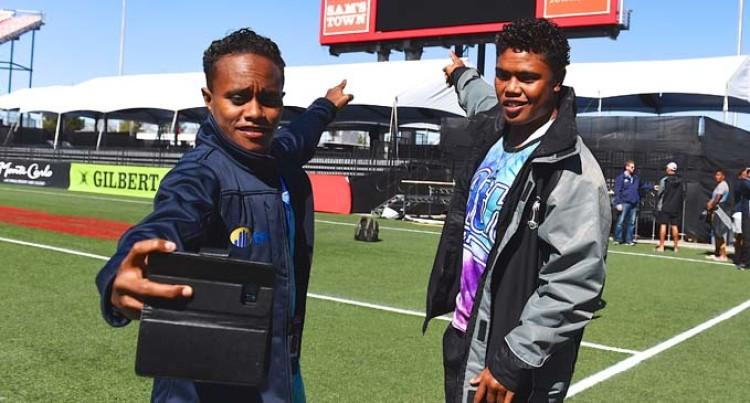 Fijian Community Host Fijiana