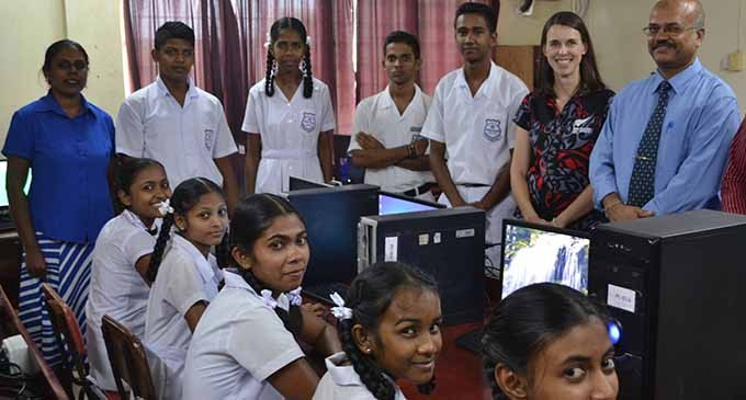 NZ Donates Computers To School