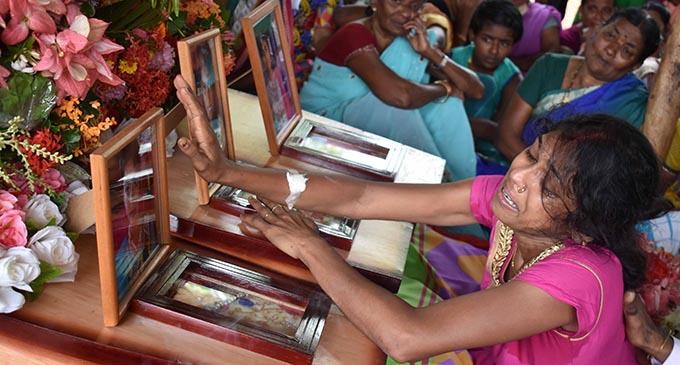"""Humar Baby!"" Karuna Kumar wailed as she held on to her youngest daughter, Isha's casket. Photo: Josaia Ralago"