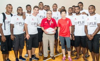 7s Ambassadors Take To The  Field With Youths In Singapore