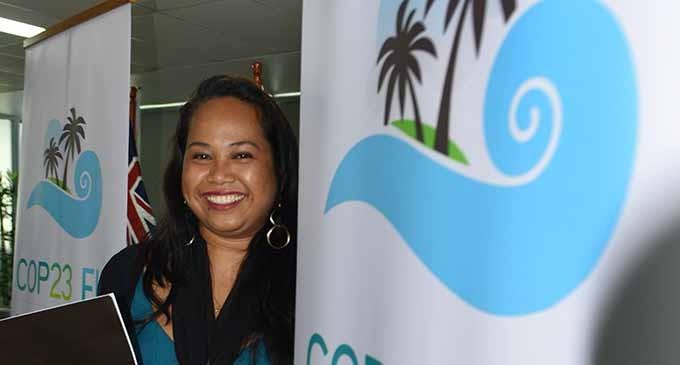 Bainimarama Unveils COP23 Logo