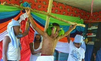 Labasa Students Re-Enact Easter Story