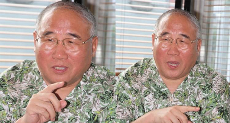 PM Holds Talks With Xie Zhenhua
