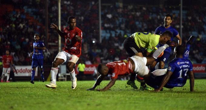 FOOTBALL Rewa, Lautoka Draw Game