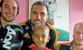 Chiefs Bring Smiles To Sick Children