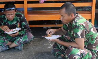 Indonesian Soldiers  Celebrated Eid At QVS